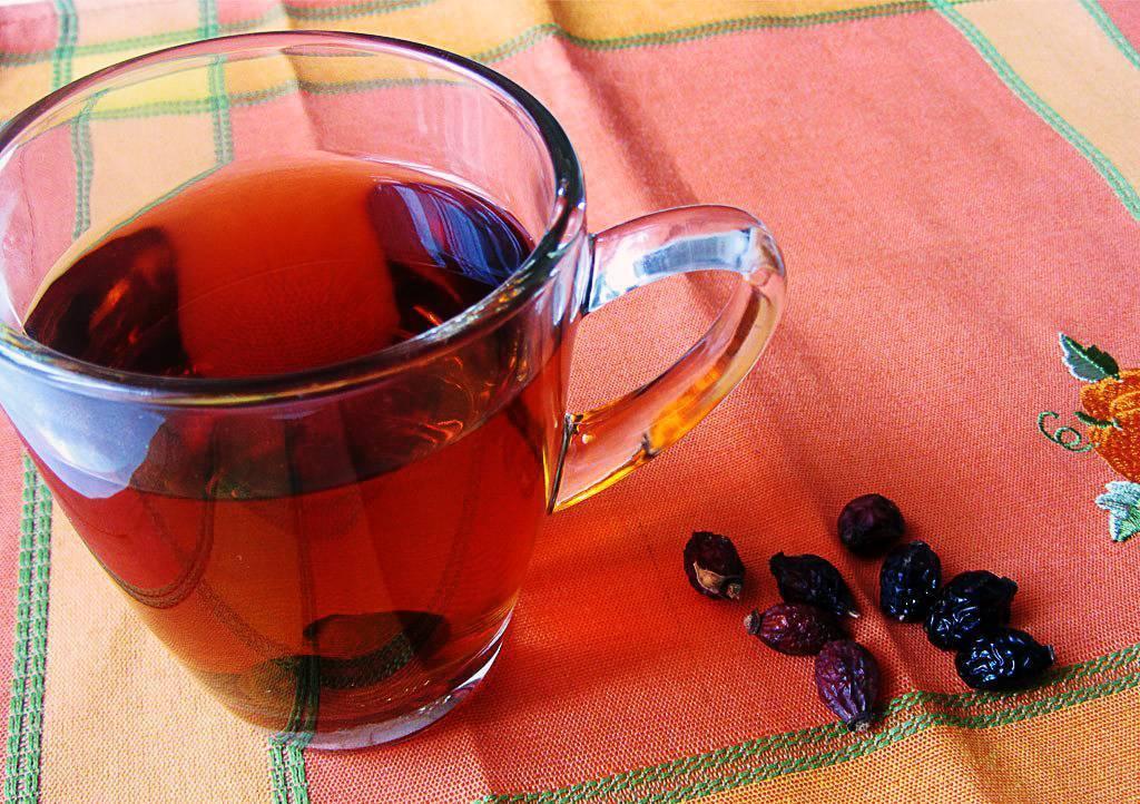 Как заварить шиповник в термосе и сохранить все его витамины