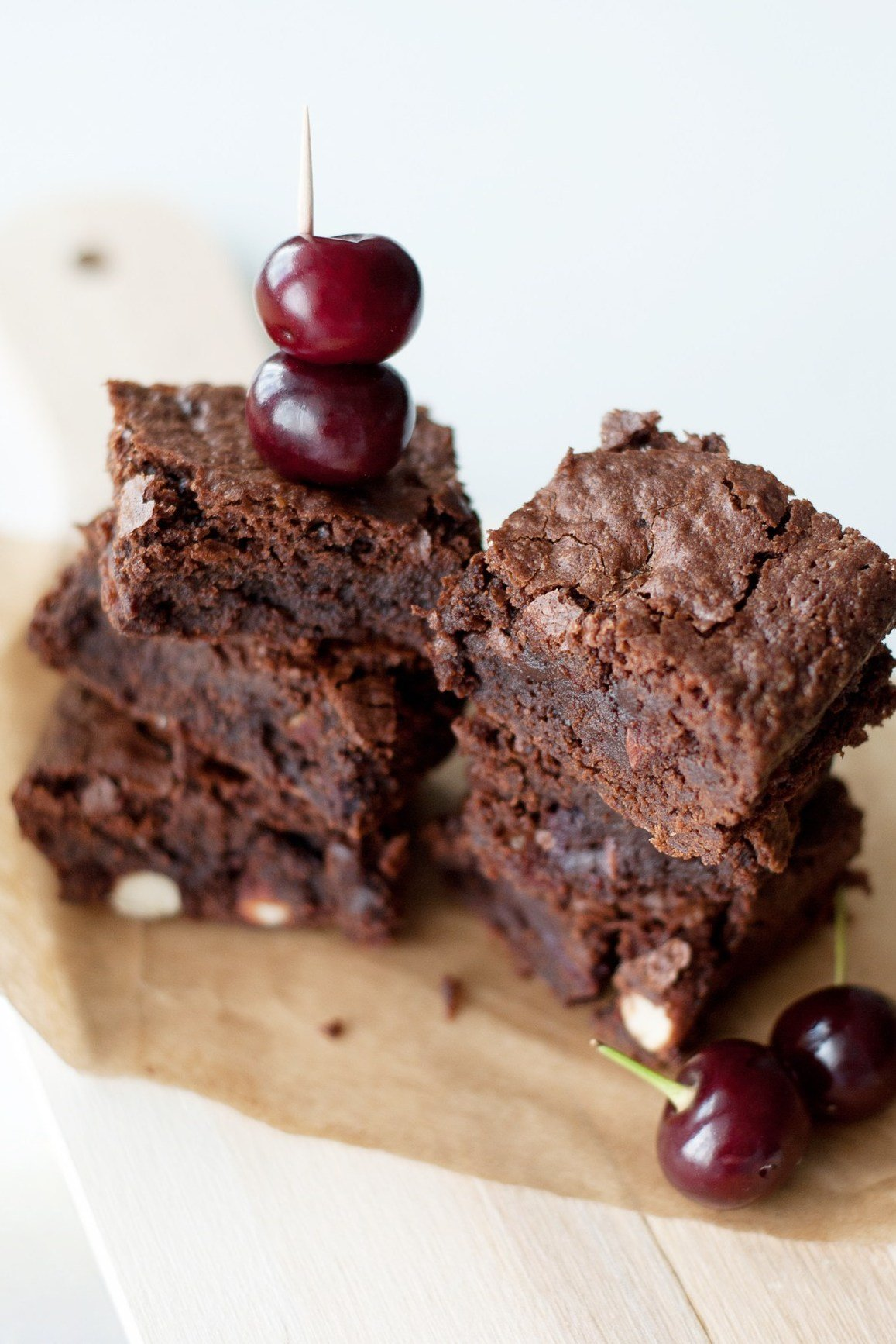 Брауни с бананом и горьким шоколадом — простой десерт