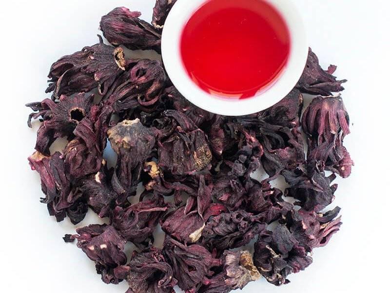 Малина при давлении: можно или нельзя, чай или варенье, листья или плоды