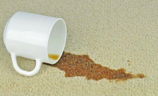 Как отстирать кофе с белой и цветной одежды