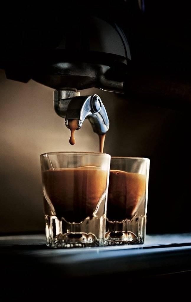 Кофе с мороженым - рецепты, как называется, калорийность, польза и вред