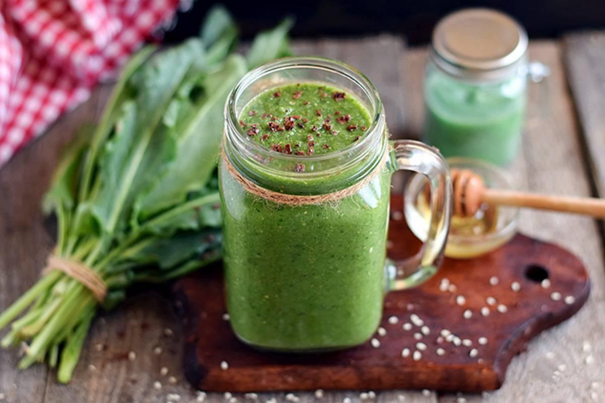 Зеленый борщ с щавелем - простые весенние рецепты