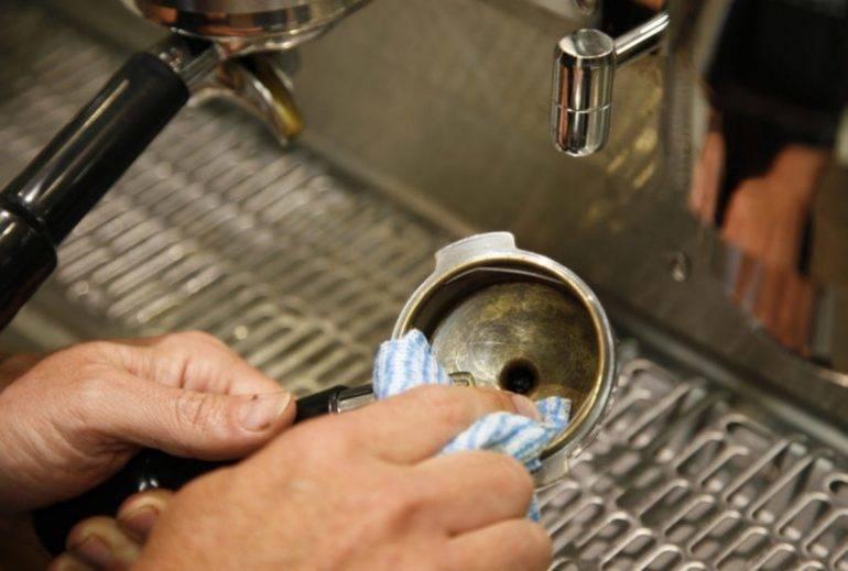 Очистка от накипи кофемашины в домашних условиях лимонной кислотой, как часто нужно
