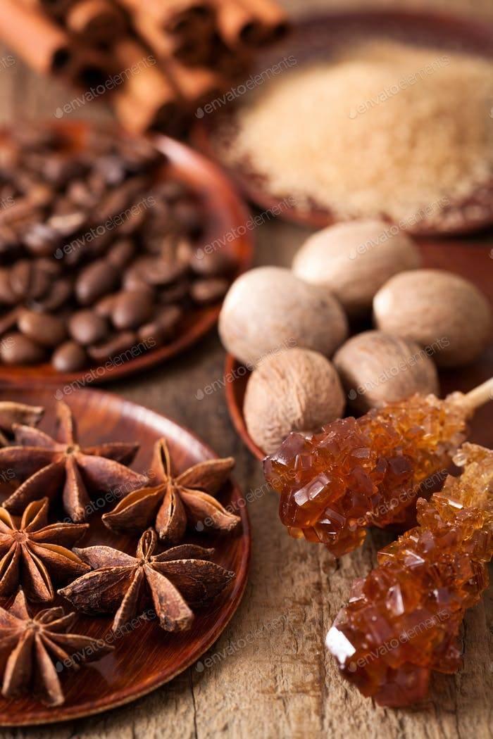 Мускатный орех: польза и вред для организма человека