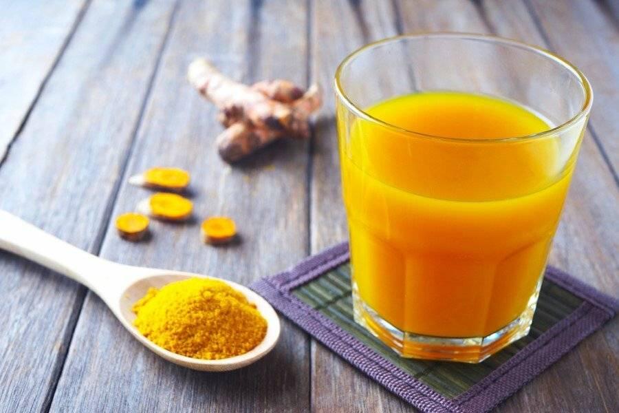 """Напиток с куркумой """"золотое молоко"""": 9 целебных свойств панацеи"""