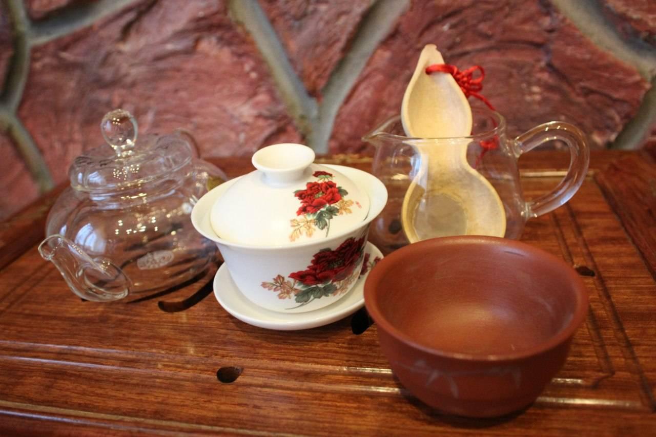 9 видов ситечка для чая от поплавка до пресса