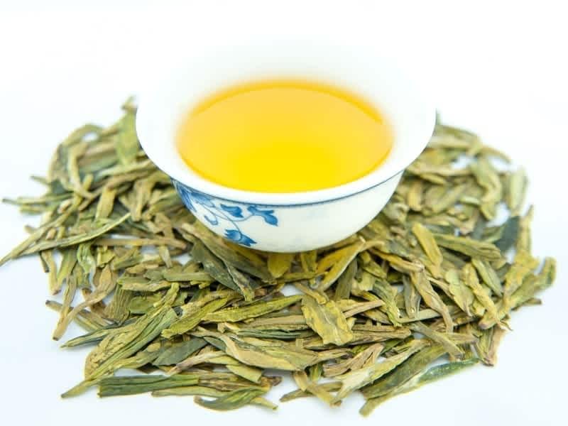 Как заваривать зеленый чай лунцзин: история и его свойства