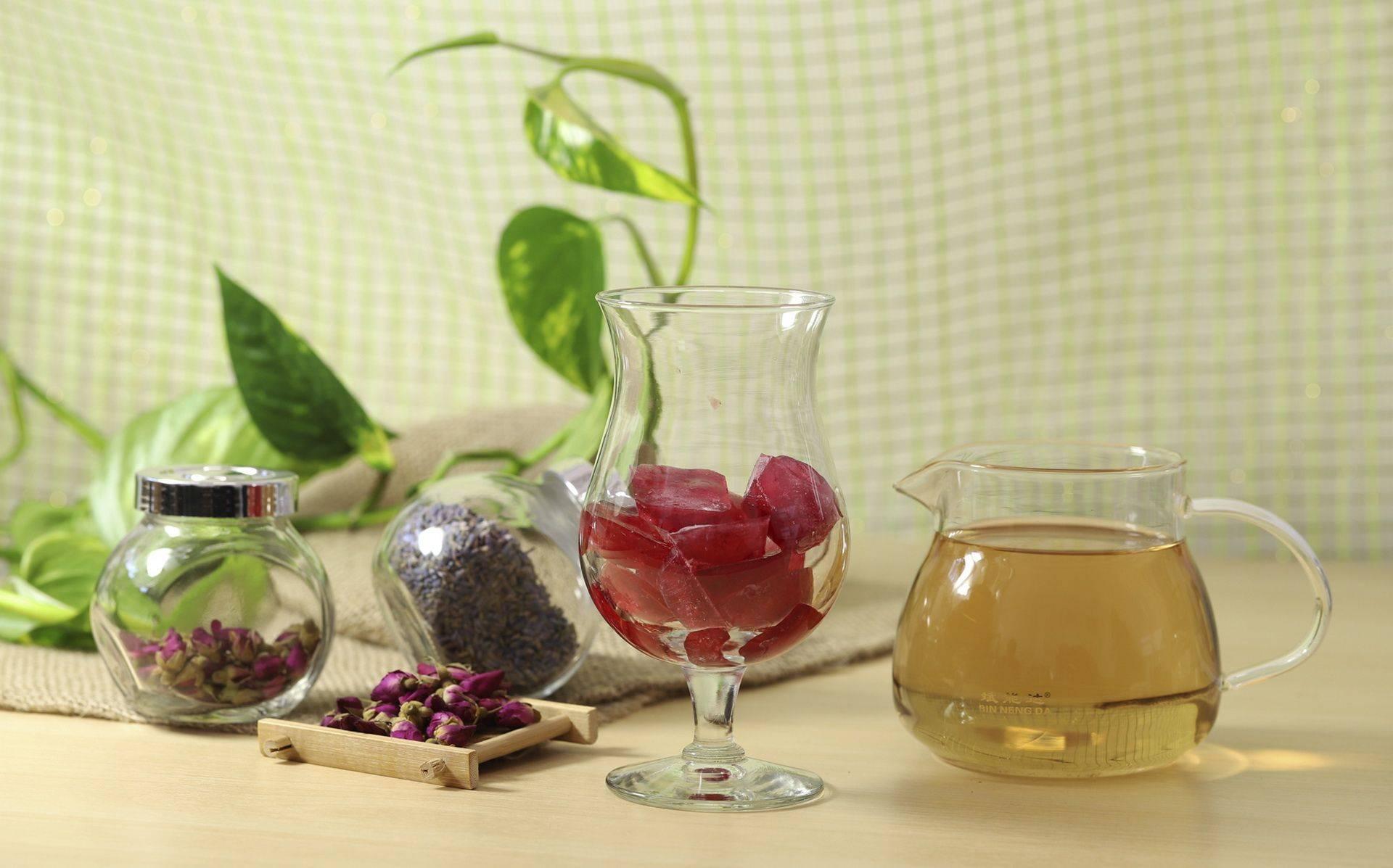 Чай каркаде повышает или понижает давление - горячий, холодный
