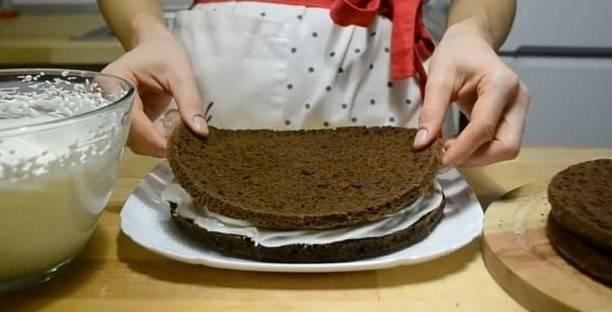 Шоколадный торт на кефире с какао