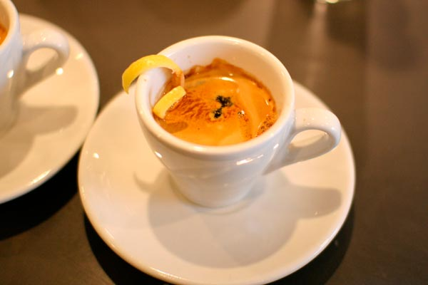 Как приготовить кофе эспрессо. рецепт кофе эспрессо в домашних условиях