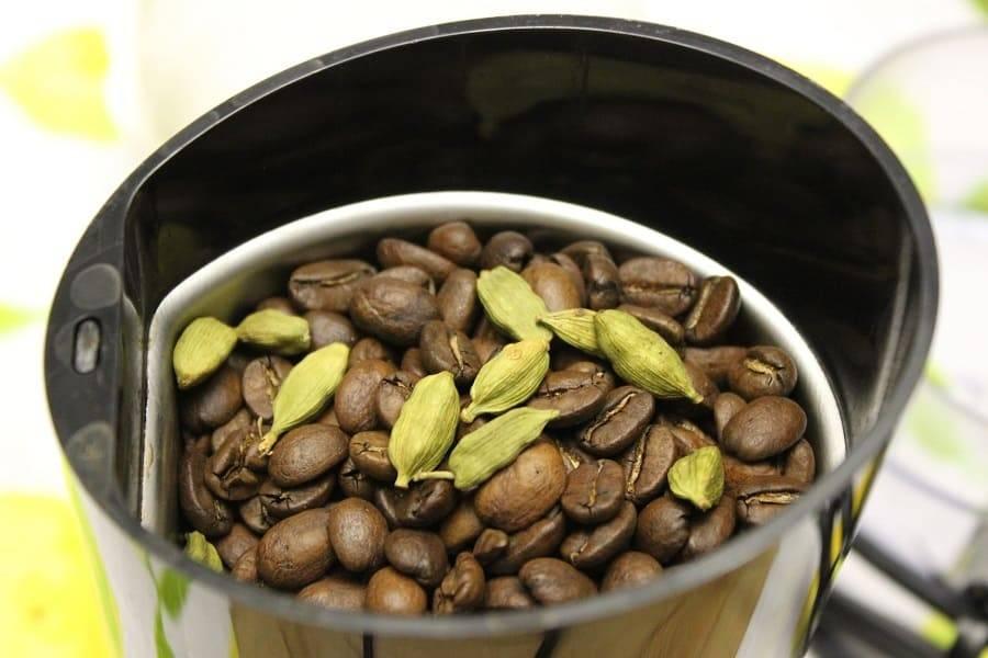 Кофе с кардамоном: полезные свойства, рецепт арабского кофе