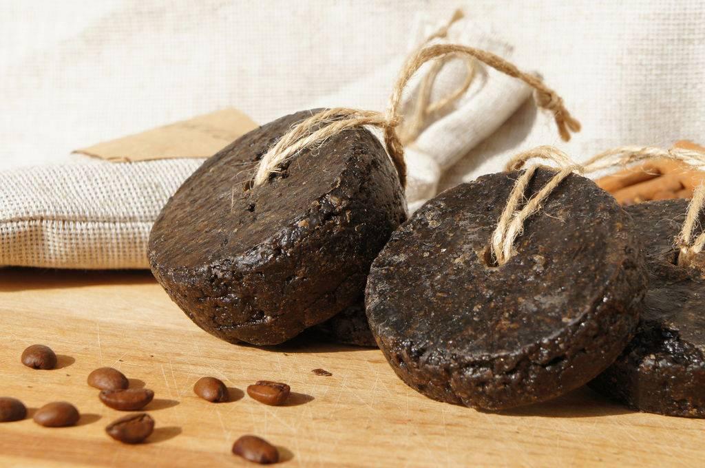 Делаем мыло-скраб из кофе в домашних условиях, рецепты, полезные свойства