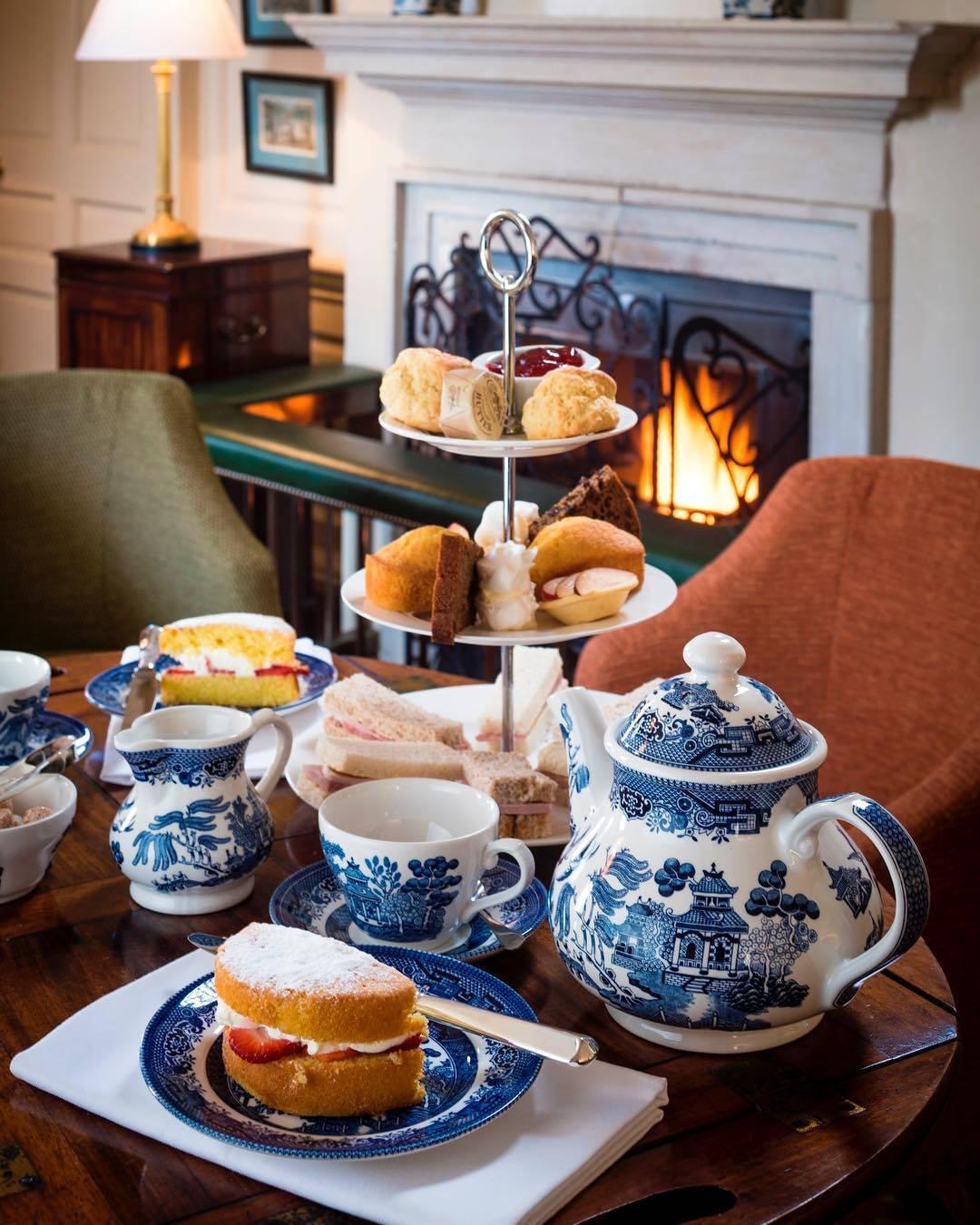 Five o'clock tea как одна из самых главных традиций англичан. чай по-английски: традиции, во сколько пьют чай англичане.