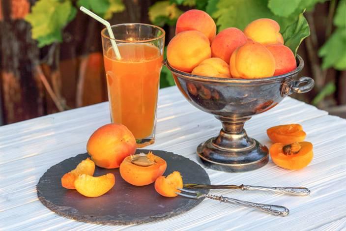 Фруктовый чай: рецепты с фруктами и ягодами, готовые чаи в пакетиках и в гранулах, делаем напиток своими руками в домашних условиях