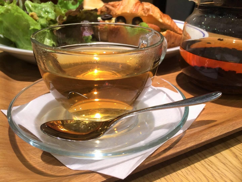 Настройка на уютную частоту: как пить чай с коньяком