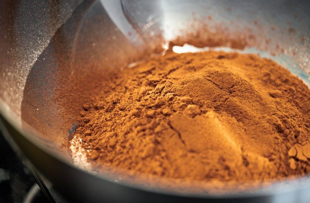 Какао – сорта, польза продуктов (масло, порошок, какао-бобы), применение в медицине, вред и противопоказания, рецепт напитка. фото шоколадного дерева и плодов какао