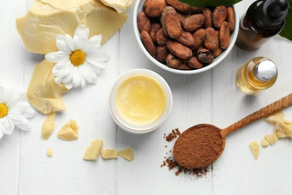 Как правильно применять масло какао для волос: советы специалистов, рецепты масок идругие нюансы использованиякапелита