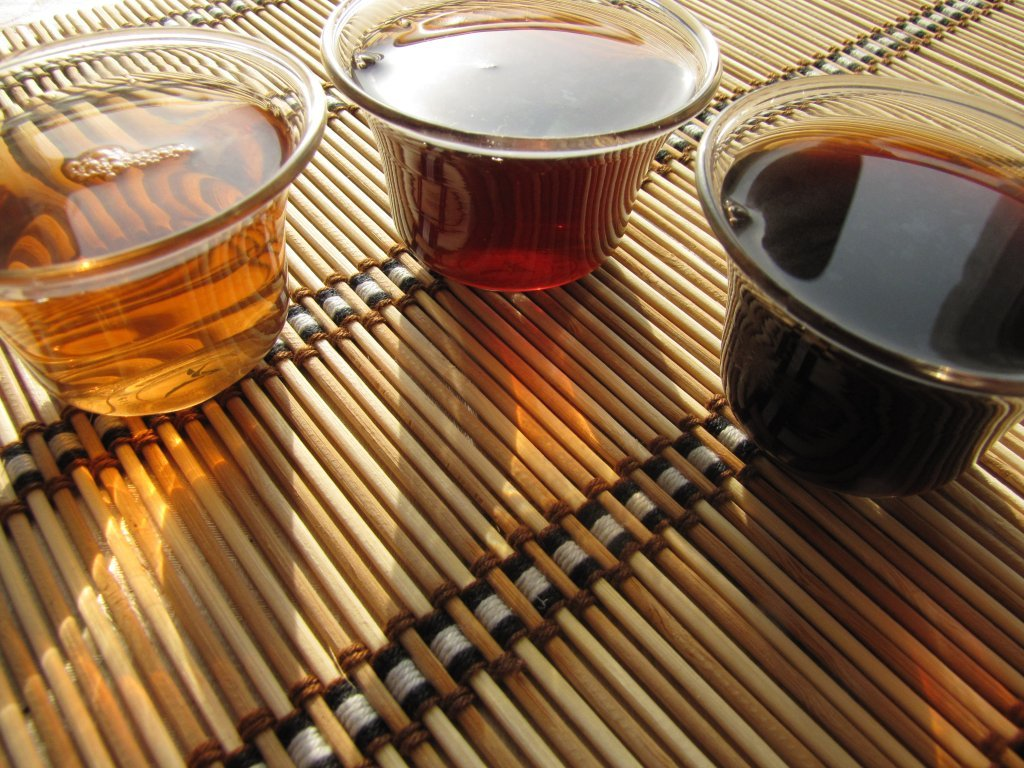 Технология изготовления чая пуэр: жарить, скручивать, заквашивать и прессовать - teaterra | teaterra