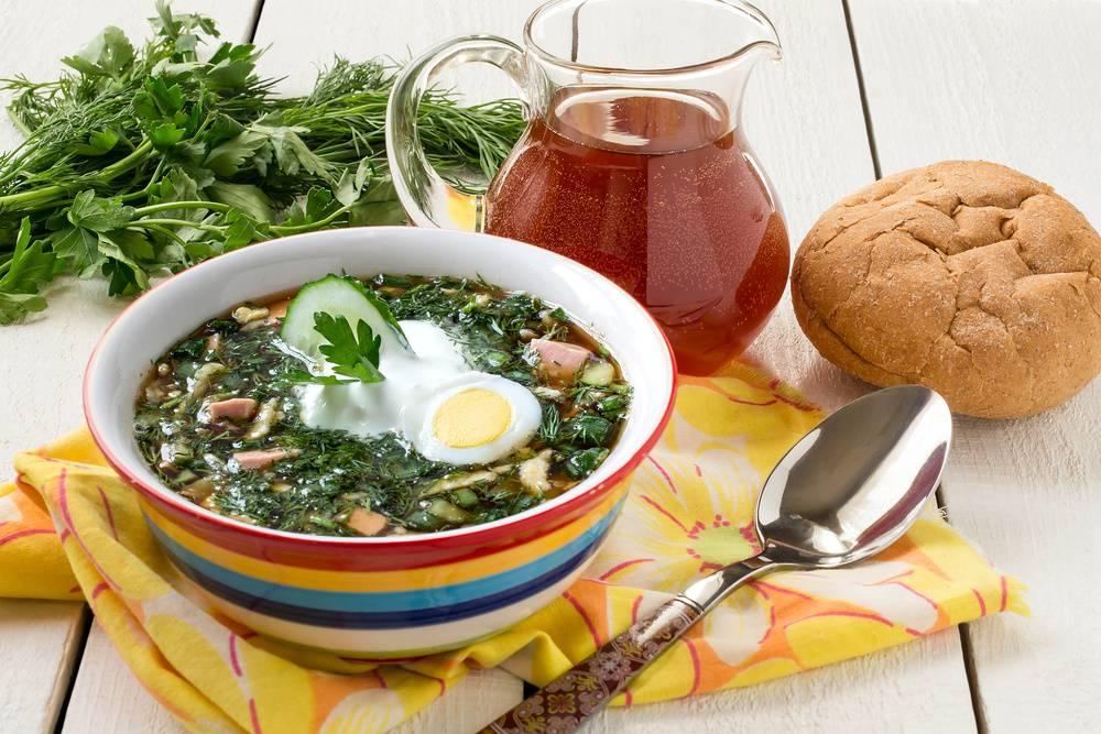 Вкусная окрошка на квасе с колбасой: 6 классических рецептов