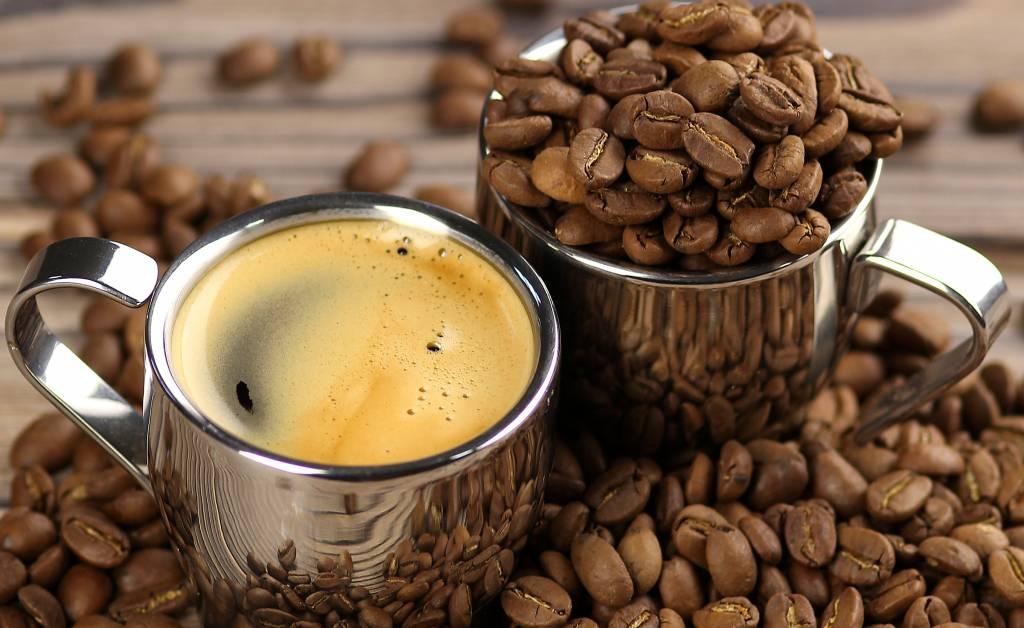 Что можно пить вместо кофе для бодрости по утрам и чем его заменить — топ 6 напитков