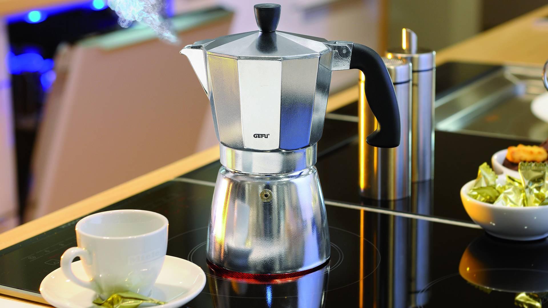 Как выбрать кофемашину для дома и офиса с капучинатором + рейтинг лучших фирм