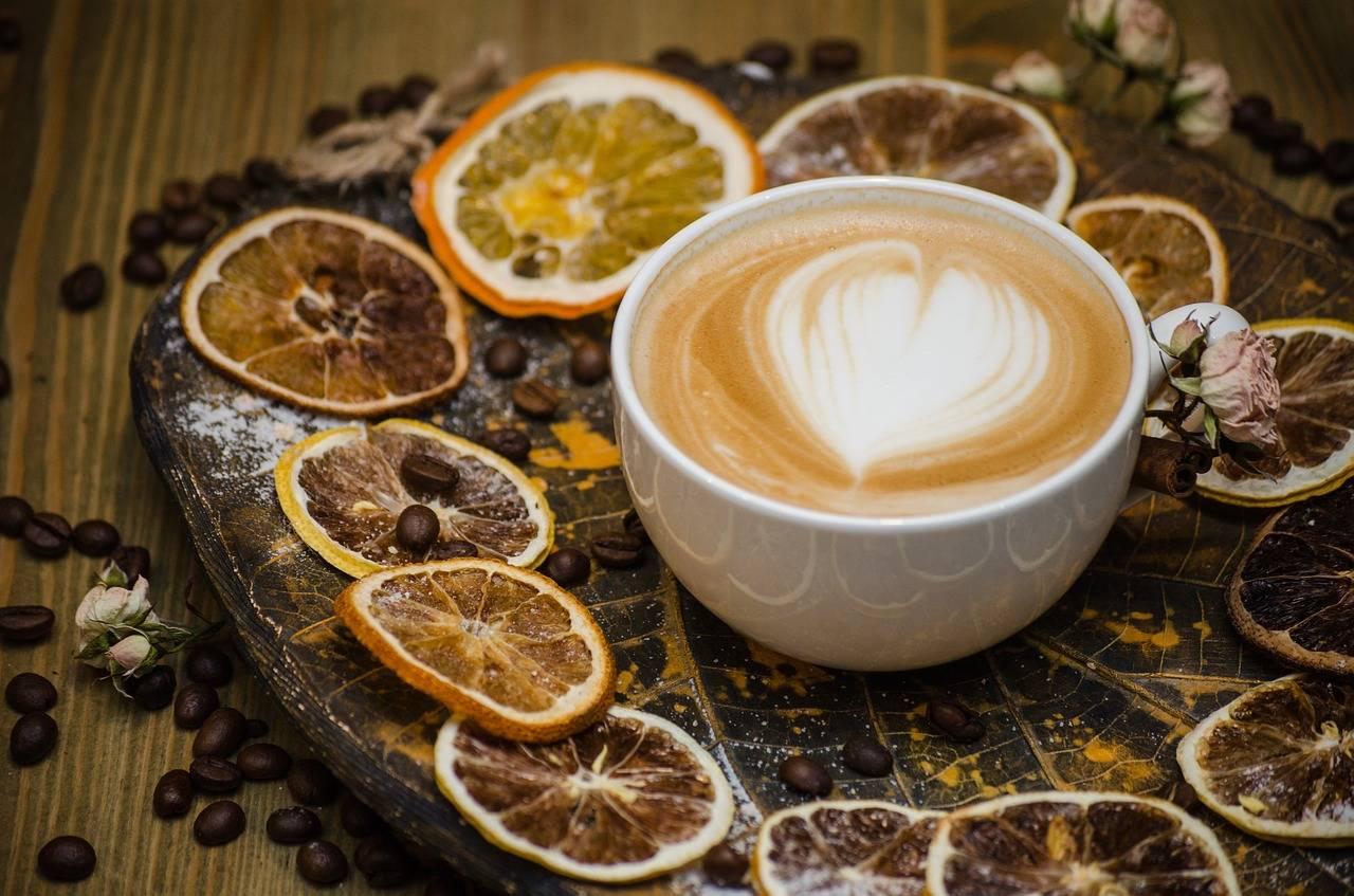 Можно ли пить кофе с лимоном, как правильно приготовить напиток?