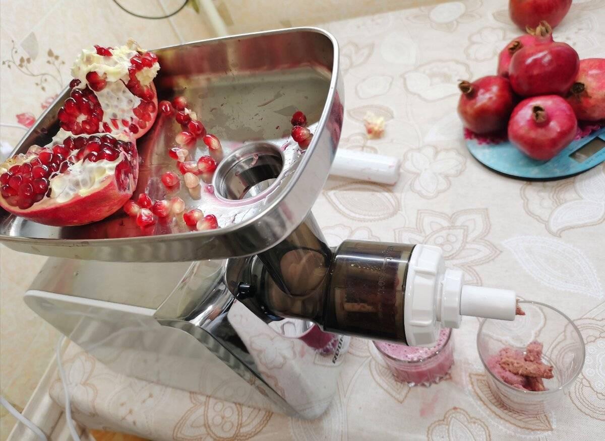 Как выжать сок из граната: руками, толкушкой, соковыжималка