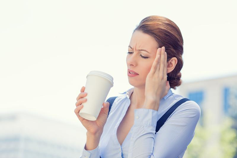 Почему от кофе болит голова: 5 причин головной боли после кофе