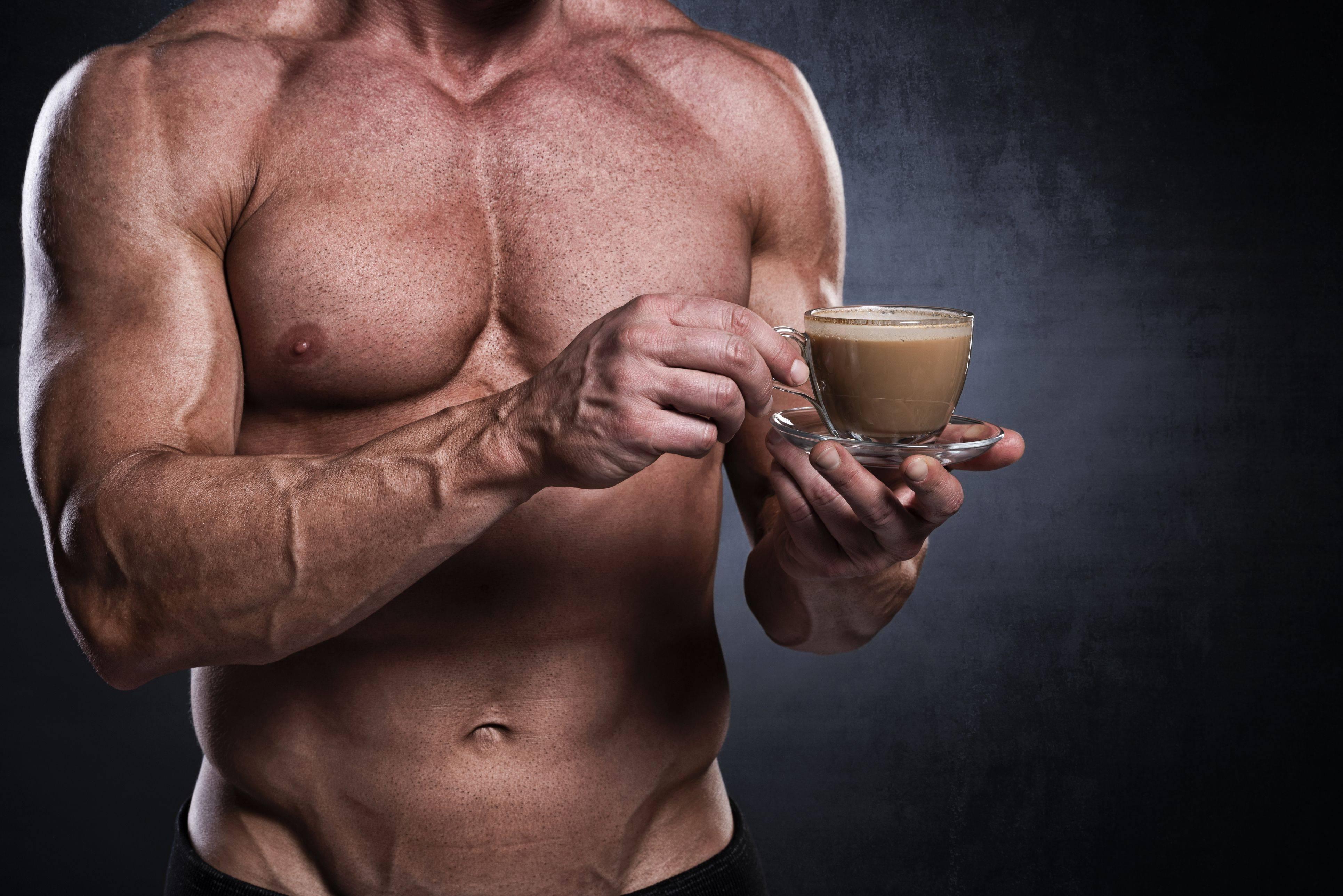 Что пить во время и после тренировки: напитки для тренажерного зала и дома