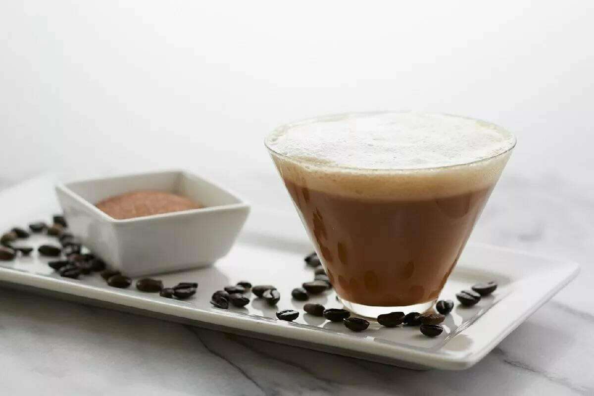 Кофе фредо — холодный карамельный коктейль: 3 рецепта ☕