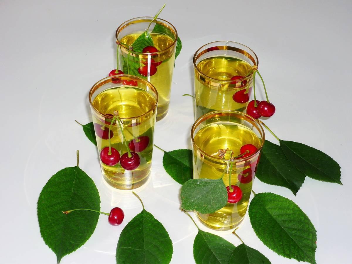 Чай из листьев вишни (ферментированный): когда собирать, как сделать заготовку