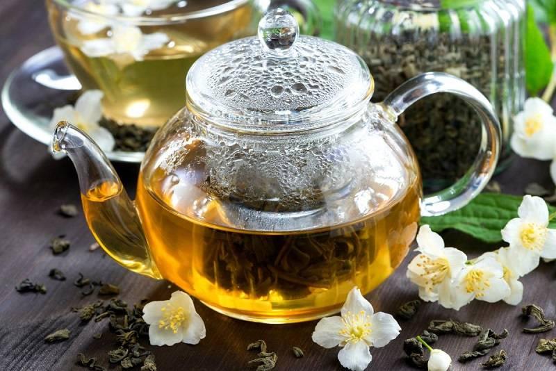 Пьем чай с мятой: можно ли заваривать цветы или листья и как правильно это делать?