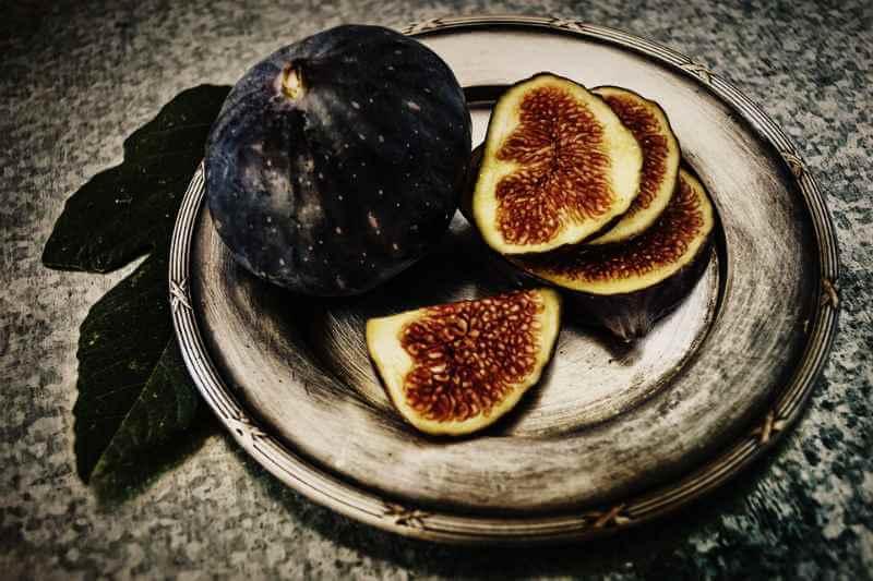 Сушеный инжир: польза, калорийность и рецепты применения