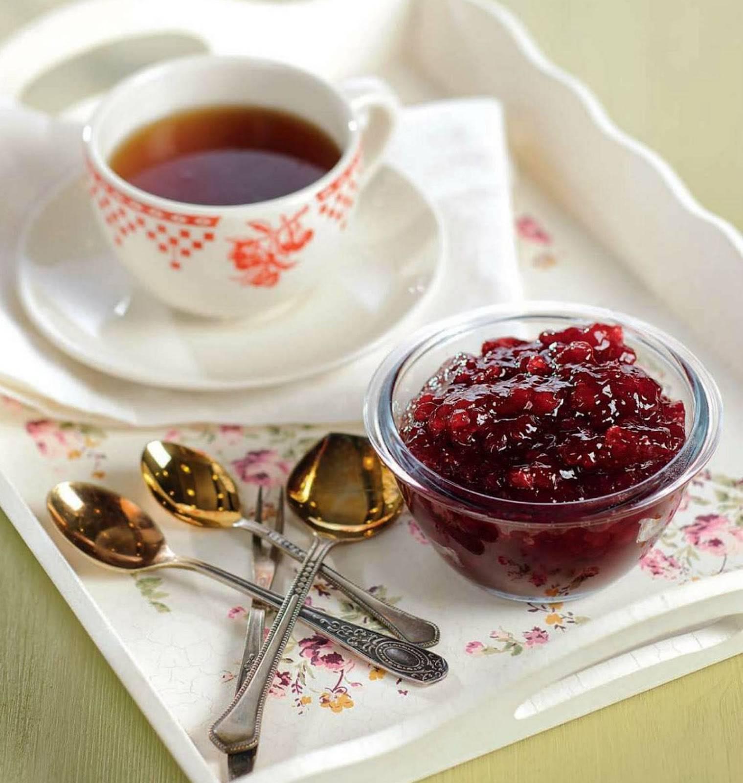 Чай с клюквой: польза, классический рецепт, с имбирем, лимоном, медом, мятой