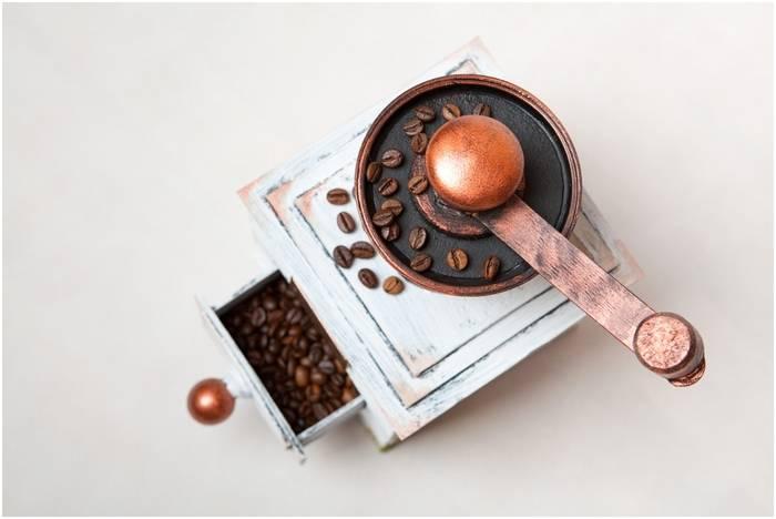 Какую ручную кофемолку выбрать: советы эксперта, как выбрать ручную кофемолку для дома