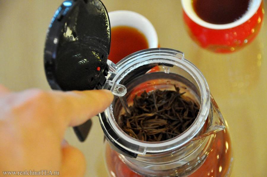Применение спитого чая на даче