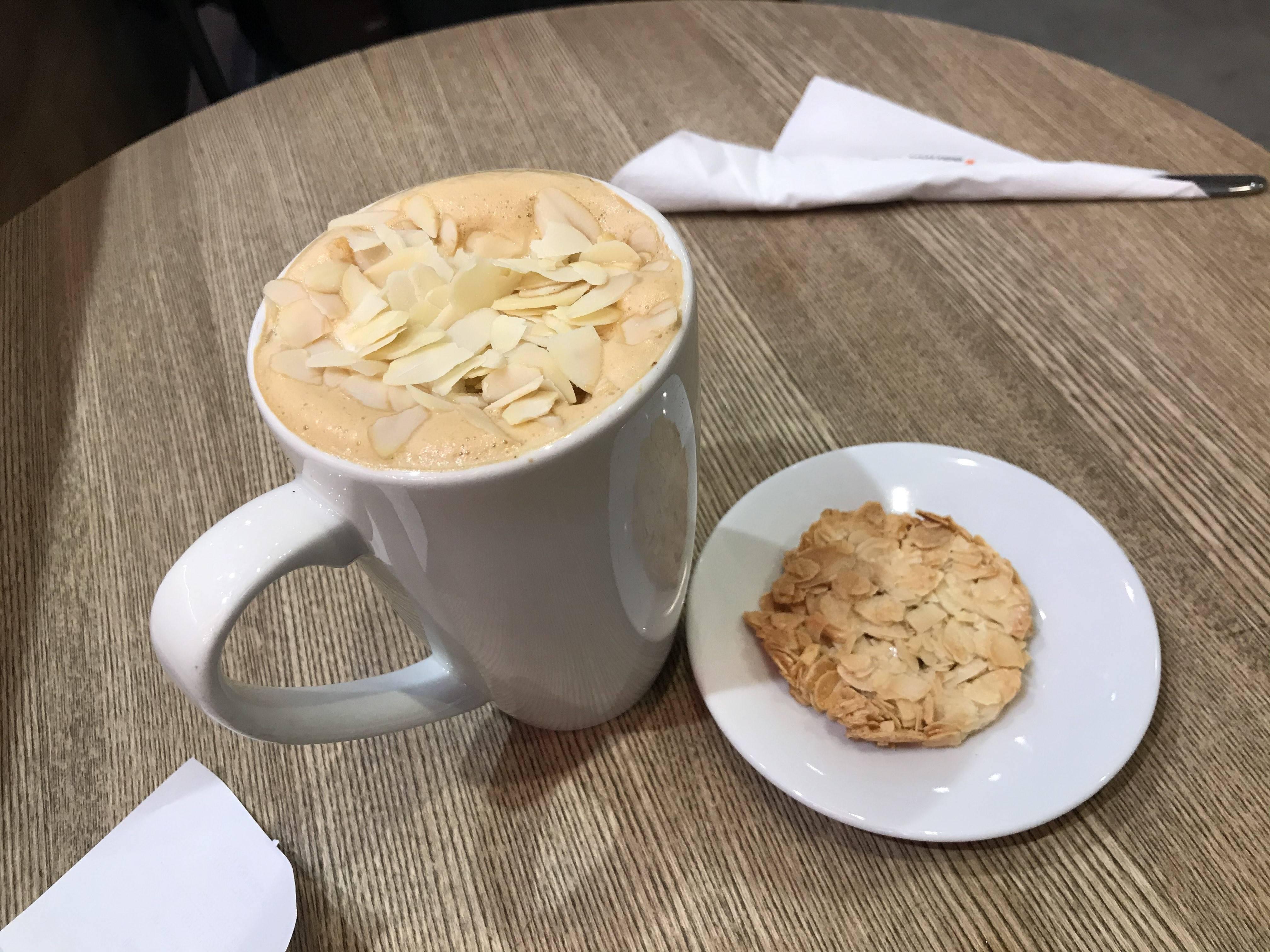 Кофе с ликером, рецепты напитка с шоколадом, корицей, сливками