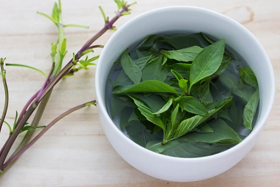 Чай с базиликом: польза и вред, рецепты, а также можно ли заваривать и как готовить?