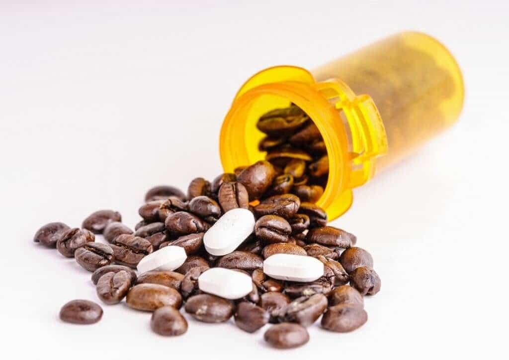Можно ли запивать таблетки кофе с молоком. опасная смесь: какие лекарства нельзя запивать чаем, кофе и соками