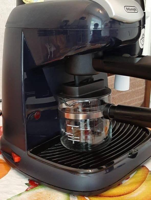 Обзор помповой рожковой кофеварки delonghi eci 341 distinta: это та же ecp 33.21, но в стильном корпусе от эксперта
