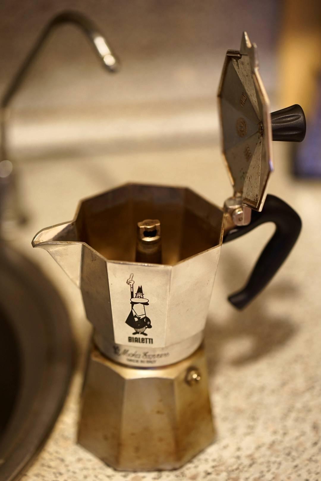 Что выбрать: гейзерную кофеварку или турку?