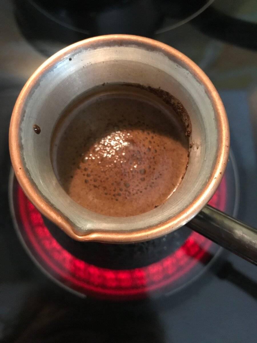 Как сделать кофе с пенкой (в турке, кофеварке, растворимый)