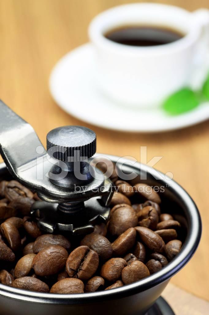 Как перемолоть кофе без кофемолки в домашних условиях – 6 способов