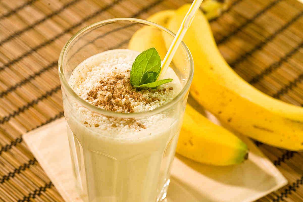 Молочные коктейли с бананом: просто, вкусно и полезно