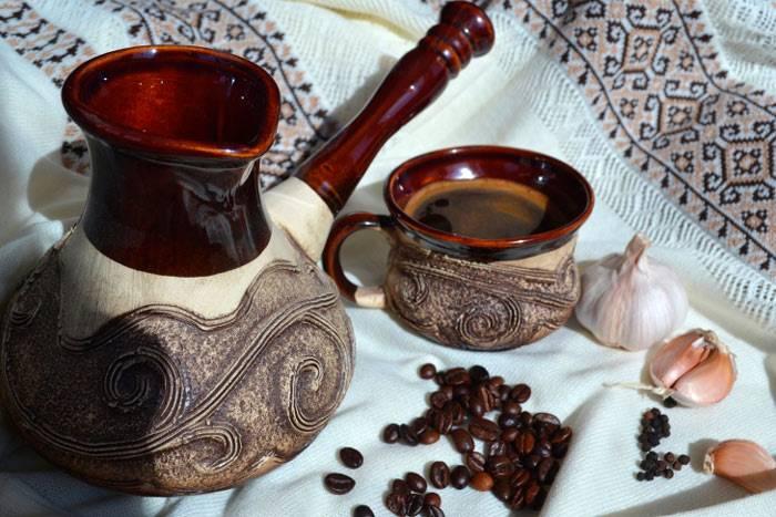 Польза и вред кофе с медом: польза и вред напитка, рецепты приготовления с лимоном, молоком или чесноком, важные нюансы