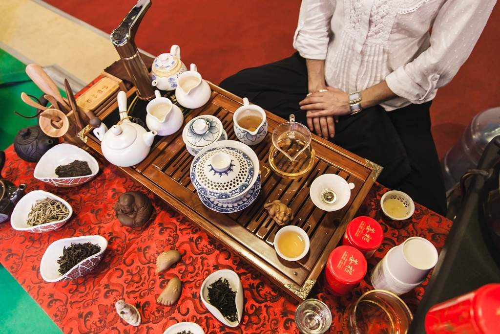 5 особенностей чайных церемоний китая: как проходит, виды, тонкости | горячая чашка