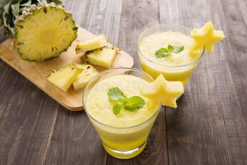 Рецепты смузи с ананасом: от простых до изысканных