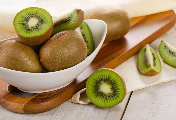 Ценные фрукты киви: польза и вред для всего организма, противопоказания и применение для красоты