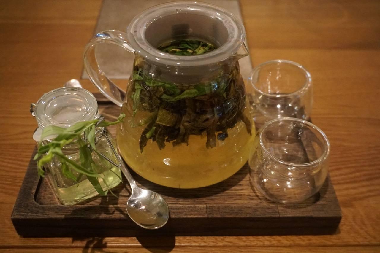 Чай с тархуном: польза и особенности приготовления