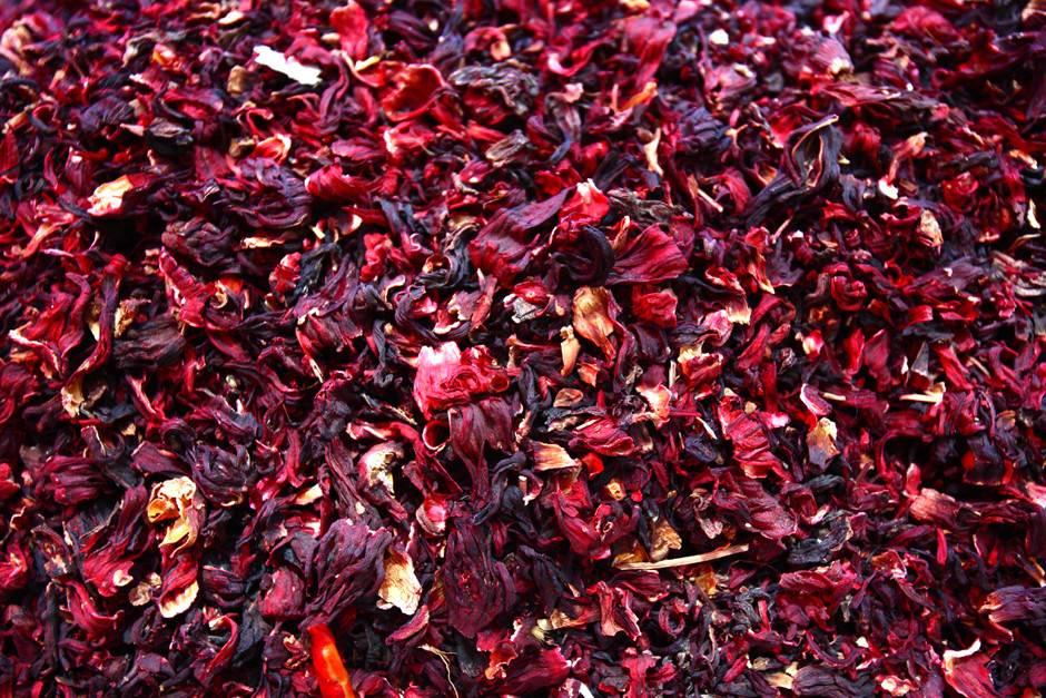 Лепестки роз: рецепты, польза и вред, как есть